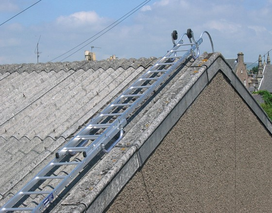 Roof Ladders - Single & Double Roof Ladders | Ramsay Ladders